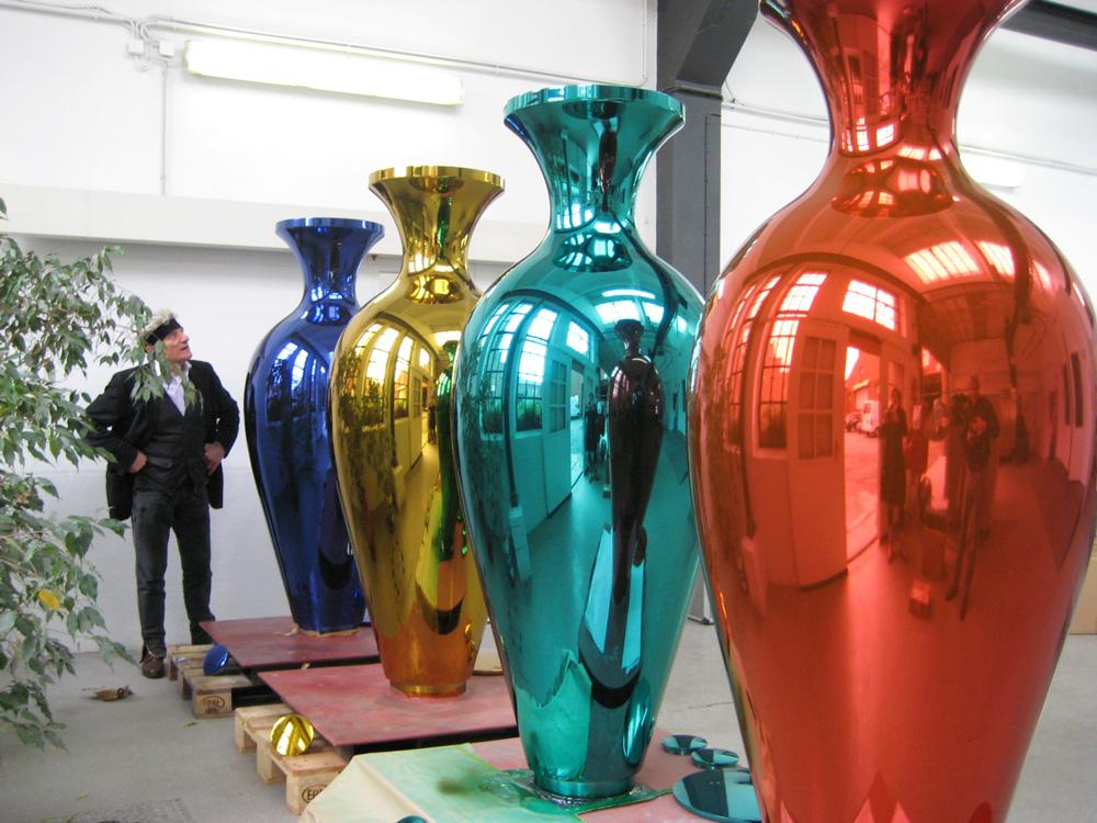 Kunstguss aus Edelstahl: Vasen von Horst Gläsker